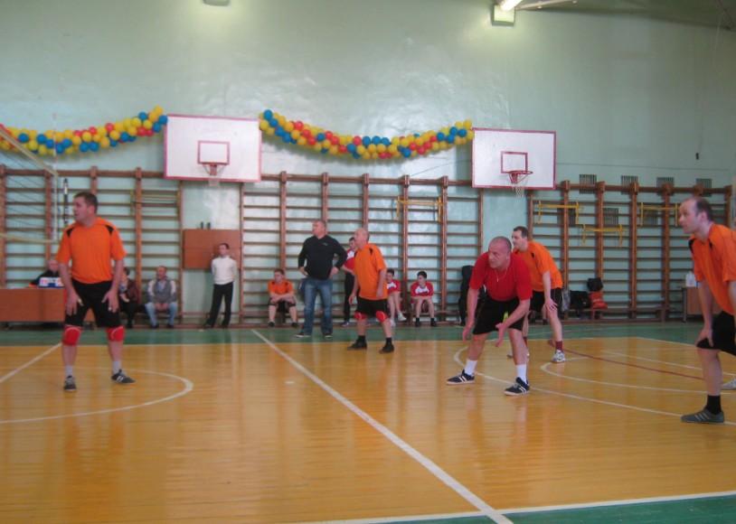Соревнования по волейболу среди мужчин
