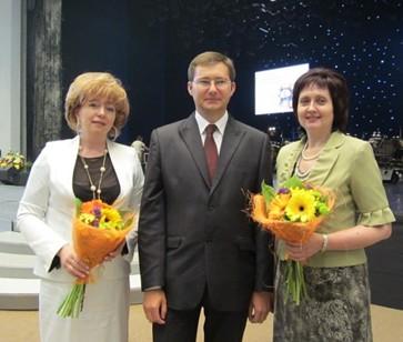 С генеральным директором Щукой А.И.     Ивашевич С.И. (слева), Корниенко Т.А.(справа)