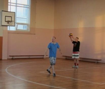 Два Андрея играют в волейбол отлично!